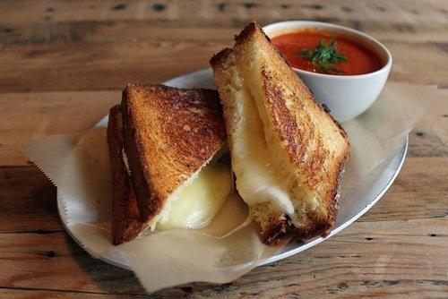 Recette du sandwich américain au fromage poêlé