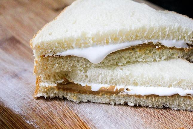Recette du sandwich américain au beurre de cacahuète et crème de marshmallow