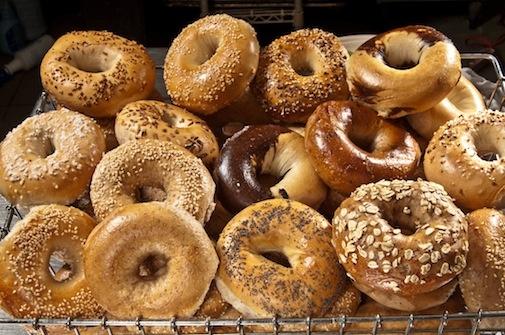 Bagels : la Vraie Recette de ces Petits Pains New-Yorkais