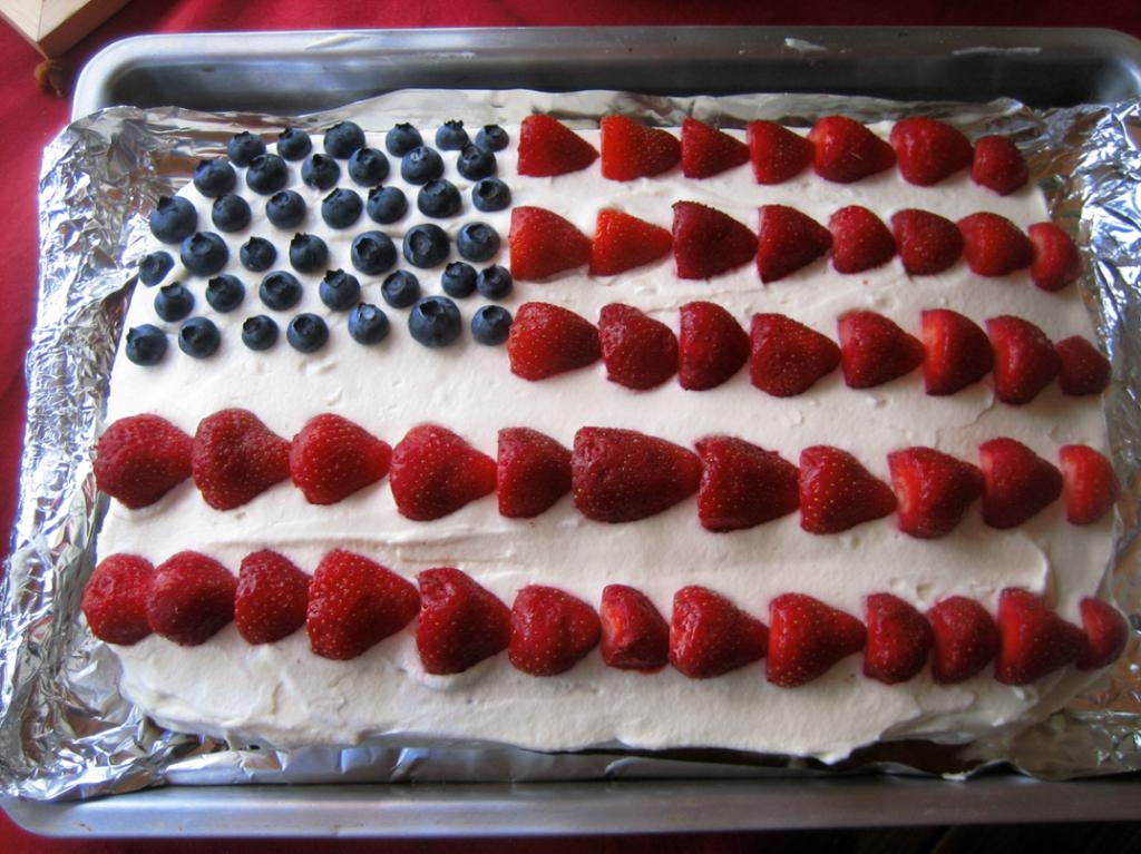 Recette du Gâteau aux Fruits «American Flag» en Forme de Drapeau US