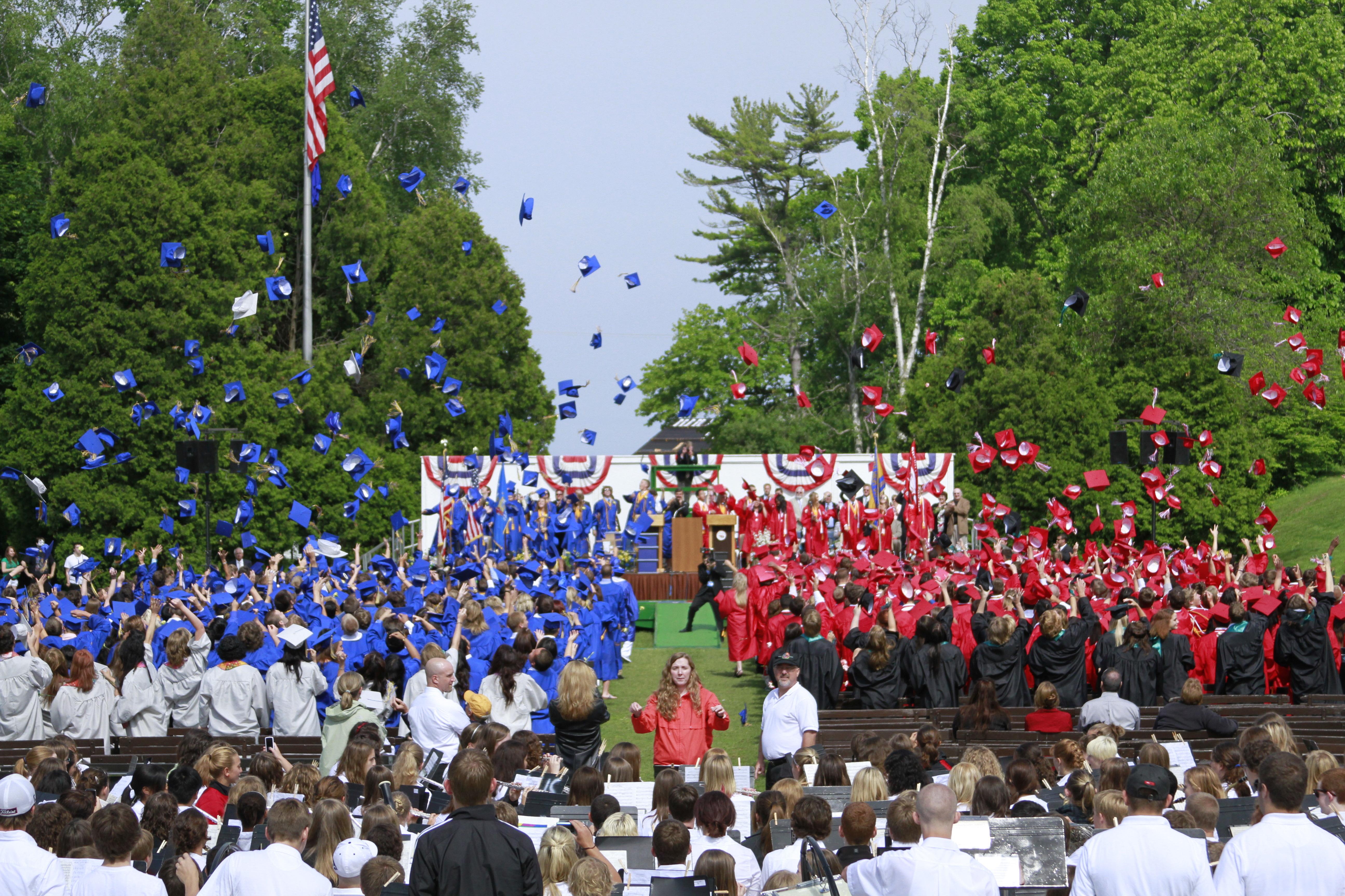 Lancer de chapeau remise des diplôme américaine : Hat Throwing