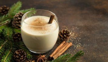 Recette de lait de poule, la traditionnelle boisson américaine de Noël